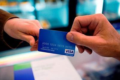 Thẻ tín dụng quốc tế và bao nhiêu tuổi được làm thẻ visa?