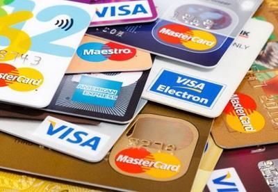 Nên làm thẻ tín dụng ngân hàng nào? Top 3 ngân hàng uy tín nhất hiện nay