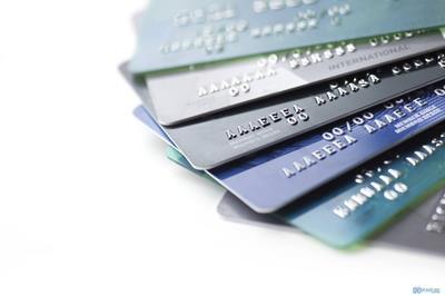 Thẻ ghi nợ nội địa là gì? Những điều cần biết về thẻ ghi nợ nội địa
